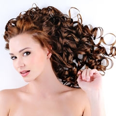 Prodlužování vlasů trvale metodami: Keratin, Micro Ring, Tape IN
