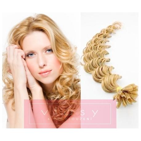 Kudrnaté vlasy evropského typu k prodlužování keratinem 50cm - přírodní  blond f3c174a0f04
